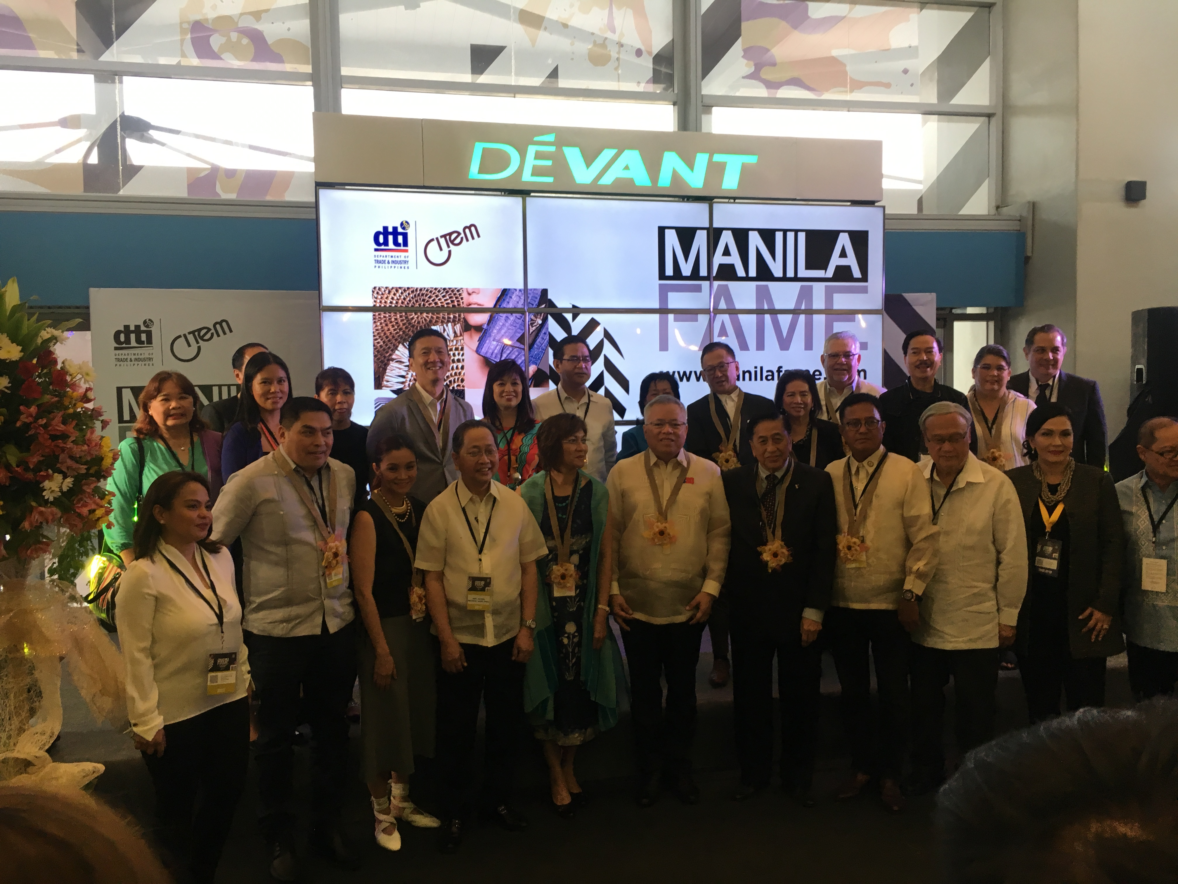 Lt. Gov Chin & Delegation at Manila FAME Trade Exhibition